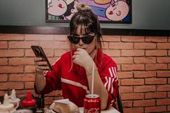 IMG_9588 (Alessandrokelvin) Tags: photoshoot ensaio food cocacola coca eyes model red canon canon6d portrait lanche light sensual oculos cellphone