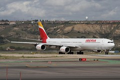 EC-JFX (moloneytomEIDW) Tags: airbusa340600 airbusa340 airbus a340 a346 a340600 iberia ecjfx mad madridairport