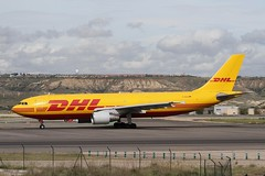 D-AEAO (moloneytomEIDW) Tags: airbus a300 a300f a300600 dhl daeao mad madridairport