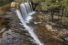 Sobre la presa (lebeauserge.es) Tags: rascafría madrid españa naturaleza árbol río agua catarata cascada
