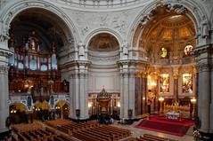 Berlin - Berliner Dom (Volker Zürn) Tags: altar bauwerk dom innenaufnahme kirche kirchenbank kirchenschiff musik musikinstrument orgel berlin deutschland