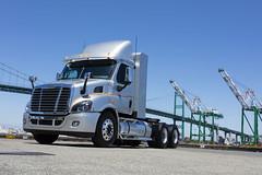 20150714_0071_HighRes_Proof-edit.jpg (SoCalGas) Tags: heavydutytruck freight cng portofla lacityharbor port outdoor daytime truck engine semitruck dusk outside ngv heavyduty