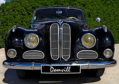Beautiful old car (DOMVILL) Tags: domvill automobile voiture car ancienne old carrosserie reflets