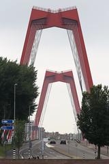 Rotterdam - Willemsbrug (Michael.Kemper) Tags: canon eos 6d 6 d ef 70200 70 200 f4 f 4 l usm voyage travel travelling reise vacation urlaub netherlands niederlande holland südholland zuidholland zuid rotterdam willemsbrug bridge willemsbrücke brücke