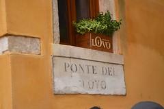 Ponte del Lovo (Joe Shlabotnik) Tags: venice sign italy 2019 april2019 venezia italia afsdxvrzoomnikkor18105mmf3556ged
