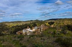 Pero de Amigos 1765 (_Rjc9666_) Tags: abandoned algarve algarvesierra arquitectura backcountry countryside landscape nikond5100 old portugal serraalgarvia sky tokina1224dx2 travel ©ruijorge9666 sãobrásdealportel faro 2422 1765