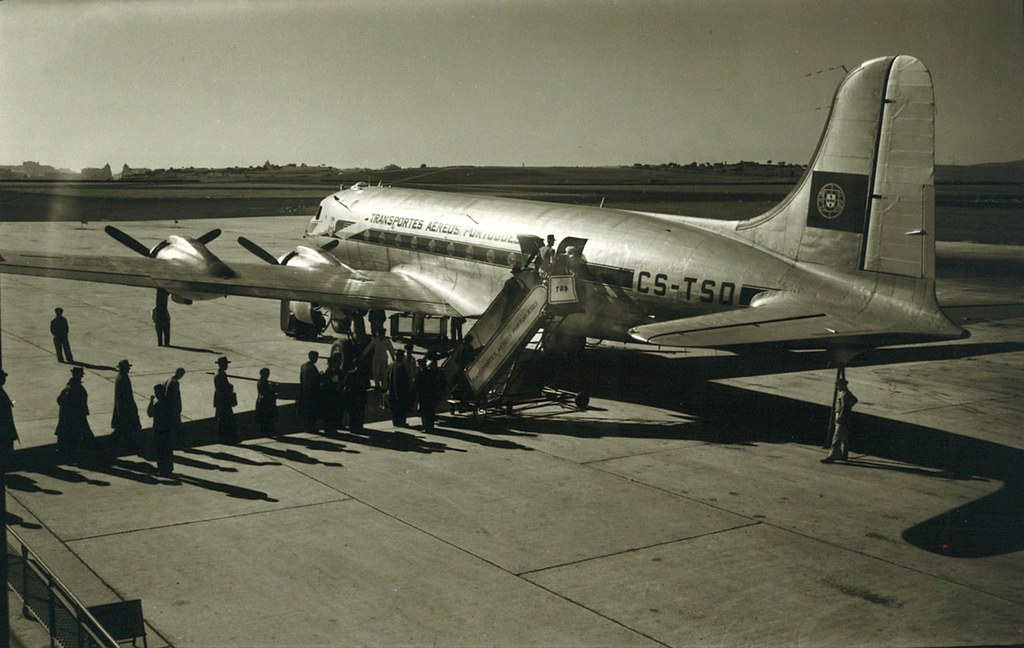 TAP — Transportes Aéreos Portugueses, DC-4 Skymaster CS-TSD, Portela, 1947-1955
