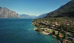 Malcesine/ Lake Garda (Anna M.J.) Tags: gardasee lake garda italy ship lakegarda yacht water summer sommer wasser италия гарда озеро путешествие лето вода яхта горы город malcesine travel travelphotography wanderlust reise blau berge mountains national panorama traveladdict alpreise sity foto canon castle