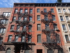 201905094 New York City Chelsea (taigatrommelchen) Tags: 20190519 usa ny newyork newyorkcity nyc manhattan chelsea 20thstreet icon urban city building architecture stairs