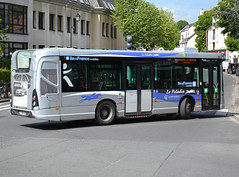 Heuliez Bus GX 137, Transdev Bièvre Bus Mobilités, Le Paladin network's livery, additionnal Île de France Mobilités decals, Antony, 2019-05-06. (alaindurandpatrick) Tags: heuliezbus heuliezbusgx137 buses masstransit masstransitcompanies transdev bièvrebusmobilités transdevbièvrebusmobilités lepaladin networks îledefrancemobilités masstransitauthorities antony 92 hautsdeseine îledefrance greaterparisarea france