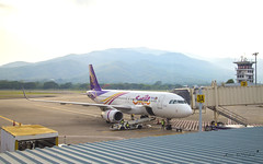 Thai Smile HS-TXS Airbus A320 (Kan_Rattaphol) Tags: aircraft airplane airbus airlines a320 a320232 hstxs thaismile we cnx chiangmaiairport