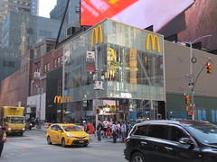 Weird Automat McDonald's Fast Food Restaurant 8345 (Brechtbug) Tags: automat mcdonalds fast food restaurant billboard times square broadway midtown manhattan west foods restaurants 2019 new york city nyc may spring 05172019 building exterior facade architecture inns burger joint hamburger hamburgers line queue eats gourmet like foodstuffs cheap now open but flat paper surface possible location future fake automats