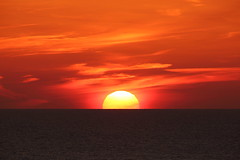 See you tomorrow (Teruhide Tomori) Tags: sun sunset japan japon tango kyotango sea clouds landscape kyoto taiza 太陽 夕陽 夕日 夕焼け 空 sky 風景 日本 丹後半島 京丹後 丹後 海 日本海 京都 日没