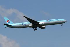 B777-3.HL8008-2 (Airliners) Tags: korean koreanair 777 b777 b7773 b777300 b7773b5 boeing boeing777 boeing777300 boeing7773b5 speciallivery specialcs sticker beyond50yearsofexcellence 50years iad hl8008 51619