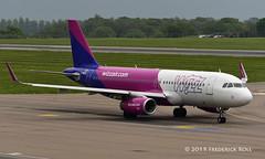 Wizz Air UK A320 ~ G-WUKE (© Freddie) Tags: luton bedfordshire lutonairport ltn eggw ltneggw airbus a320 wizzair wizzairuk gwuke fjroll ©freddie