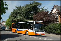 Travel de Courcey 573, Clifton Road (Jason 87030) Tags: white orange merc mcv evolution mercedesbenz pink bus wheels rugby hospital stcross coventry 585 route service cliftonroad sunny light traveldecourcey 573 2019