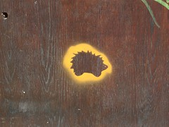 Found hedgehog Rorschach (mkorsakov) Tags: dortmund nordstadt hafen graffiti stencil igel hedgehog tür door holz wood minimal