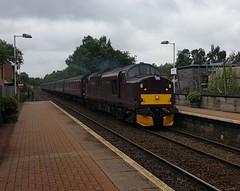 West Coast Railways Class 37 37516 'Loch Laidon' passing Maryhill Station with service 5Z51 (22-07-17) (Ricardo_Cameron) Tags: trains railtours jacobite ecs tractor class37 375 37516 lochlaidon wcrc