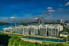 Luxury dwellings at Keppel Bay in Singapore (UweBKK (α 77 on )) Tags: luxury dwelling condominium apartment building house keppelbay keppel bay harbourfront harbour architecture city urban planning cityscape singapore southeast asia sony alpha 77 slt dslr