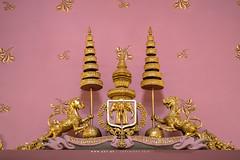 The Insignia of King Rama V, Phra Vihara, Wat Ratchabophit (aey.somsawat) Tags: architecture bangkok buddhastatue buddhisttemple kingchulalongkorn kingramav temple thaiarchitecture thailand vihara wat watratchabophit westernthaiarchitecture