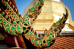 Roof Nagas [Explored] (Teseum) Tags: thailand thailande tailandia thai temple buddhisttemple buddhism buddha chiangmai wat watphrathatdoisuthep doisuthep theravada theravadabuddhism naga nagas roofnaga