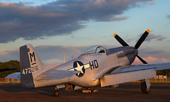 Mustang (Treflyn) Tags: sun set north american aviation p51d p51 mustang 4472216 misshelen abingdon airfield oxfordshire threshold aero photo shoot evening before 2019 air country show