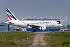 LIL - Airbus A318-111 (F-GUGD) Air France (Shooting Flight) Tags: aéropassion airport aircraft airlines aéroport aviation avions airbus atterrissage reverse repousse canon natw 6d photography photos passage piste08 a318 a318111 airfrance fgugd lille landing lesquin lfqq lil lillelesquin msn2081