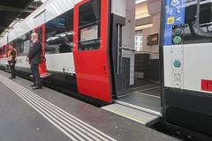 SBB Giruno by Stadler (Kecko) Tags: 2019 kecko switzerland swiss suisse svizzera schweiz zürich zurich zh europe eisenbahn railway railroad zug train sbb stadler rail group rabe501 uic938505010067chsbb giruno smile gotthardzug door türe einstieg entrance swissphoto geotagged geo:lat=47378260 geo:lon=8537430