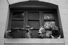 Museo del Carnaval, Montevideo (Celso Kuwajima) Tags: epsonv800 silverfastai 20190548 masks ilfordpanfplus50 leicasummicroncollapsibleltm502 outdoor analogphotography carnaval bw leicamp montevideo montevideodepartment uruguay