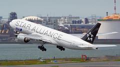 Boeing 777-281, JA711A, All Nippon Airways (Star Alliance Livery) (tkosada.mac) Tags: allnipponairways staralliancelivery boeing b772 tokyointernationalairport hanedaairport hnd rjtt