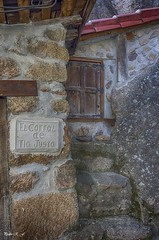 Pequeño rincón (pedroramfra91) Tags: pueblo town exteriores outdoors calle street puerta door