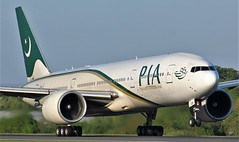 AP-BGY (AnDyMHoLdEn) Tags: pakistaninternationalairlines pia 777 boeing777 egcc airport manchester manchesterairport 23l