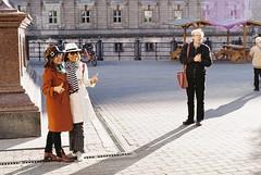 tourists at St. Georg Denkmal (viktor.rpprt) Tags: streetphotography berlin nikolaiviertel asian women tourists 35mm kodak proimage iso100 canon a1 shootfilm film filmphotography filmphoto filmisalive filmcamera thefilmcommunity thefilmgang kodakfilm keepfilm shootfilmstaybroke shotonfilm
