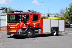 Humberside - YN68YHG - Peaks Lane - WrT (matthewleggott) Tags: humberside fire rescue service engine appliance scania peaks lane grimsby emergency one pump water tender wrt