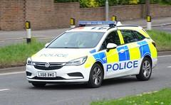 Hertfordshire Constabulary - LX68 BWO (999 Response) Tags: hertfordshireconstabulary lx68bwo hertfordshire constabulary police vauxhall