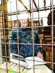 PBWA London (IanAWood) Tags: stokenewington lbofhackney london streetphotography candid peoplewatching humansbeing lifeonthestreet urbanlife androidphotography cameraphonephotographer mobilesnaps capturedonp9 huaweip9 editedinsnapseed leicamobile moblog mobilephotography seenonmytravels notwalkingwithmynikon