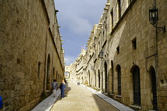 _DSC8158 (paulNming) Tags: greece medievalcityofrhodes knight'sstreet palace gothicarchitecture lindos acropolisoflindoscastles palaces 希腊 罗德岛 骑士 ,骑士街 , 林多斯 城堡 rhodes island