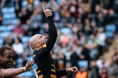 Joe Simpson try celebration (davidhowlett) Tags: ricoharena quins wasps coventry waspsrugby gallagher ricoh rugbyunion pre rugby iership harlequins