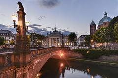 Palais de Justice - Strasbourg (sigi-sunshine) Tags: strasbourg palaisdejustice eglisesaintpierrelejeune pont canaldufauxrempart bridge brücke elsass alsace frankreich france eurodistrict kirche church nocturne blauestunde bluehour