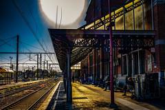 Attente (Jean-Marie Lison) Tags: eos80d ath gare quai rail préau verrière crépuscule