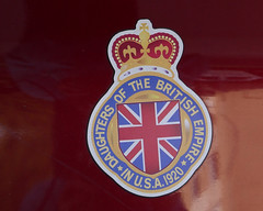 Daughters of the British Empire: Welcome Archie (remiklitsch) Tags: remiklitsch leica dbe emblem red crown car auto flag usa california la