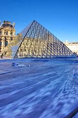 508 Paris en Mars 2019 - La Pyramide du Louvre et JR, 30eme anniversaire (paspog) Tags: paris france lelouvre pyramidedulouvrejr30eme anniversaire mars march märz 2019