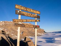 Stella point, 5756m, Kilimanjaro NP, Tanzania (Amdelsur) Tags: parcdukilimandjaro continentsetpays tanzanie afrique africa kilimanjaronationalpark tz tza tanzania kilimandjaro