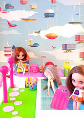 BaD May 10 - Atomic House (Fables I/VI) Tags: blythe doll petite pool party atomic space shopkins