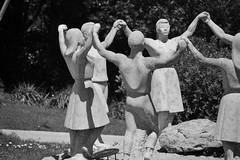 MONUMENT A LA SARDANA, de JOSEP CAÑAS (1966) (Yeagov_Cat) Tags: 2019 barcelona catalunya monumentalasardana monument sardana montjuïc josepcañas 1966 pedracalcària plaçadelasardana