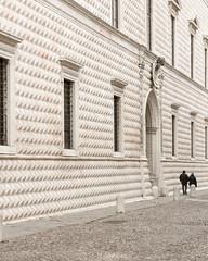 Ferrara-22 (e.berti93) Tags: ferrara architecture architettura art italy brick urban antico monumento castello estense piazza città bike