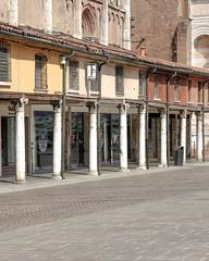 Ferrara-13 (e.berti93) Tags: ferrara architecture architettura art italy brick urban antico monumento castello estense piazza città bike
