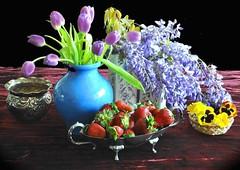 Fiori e frutta per tutte le MAMME (Melisenda2010) Tags: naturamorta stilllife maggio fiori fragole glicine tulipani coth coth5