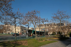 Place d'Italie - Paris (France) (Meteorry) Tags: europe france idf îledefrance paris placeditalie morning matin bus ratp square trees arbres winter hiver mairieduxiiièmearrondissement mairie townhall cityhall city urban february 2019 meteorry