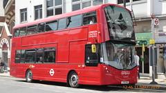 P1160472 VH45311 LF19 FWD at Richmond Station The Quadrant Richmond London (LJ61 GXN (was LK60 HPJ)) Tags: ratp londonunited volvob5lhybrid wrightbusgemini3streetdeckstyle wrightbusgemini3 106m 10600mm vh45311 lf19fwd ar116